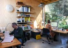 Cùng xem văn phòng làm việc tại nhà của các nhà thiết kế hàng đầu thế giới